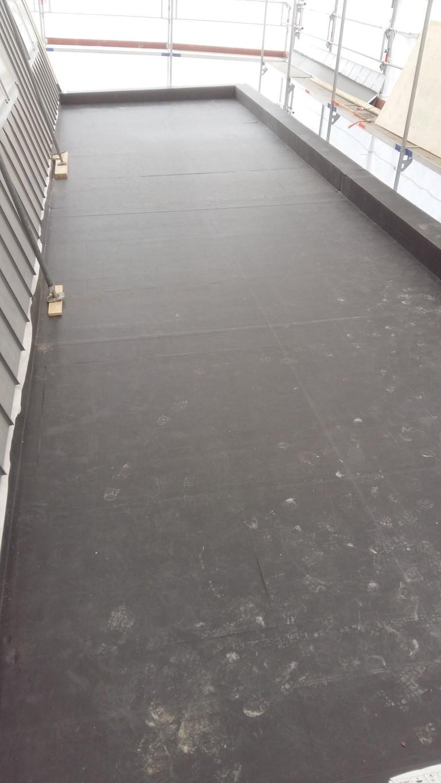 dakbedekking van kunststof